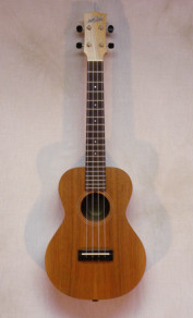 Maton Tenor Ukulele w/ pickup and HSC