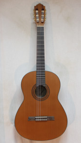 Hofner HZ26M Nylon String Guitar